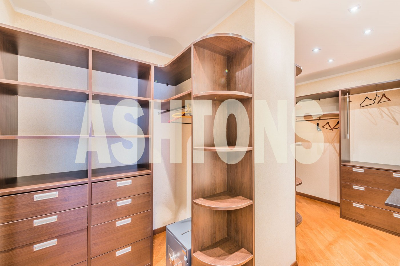 "EXCLUSIVE OFFER IN ELITE RESIDENTIAL COMPLEX ""FOUR WINDS"". APARTMENT FOR RENT. REAL ESTATE AGENCY ASHTONS INTERNATIONAL REALTY ASHTONS.RU"