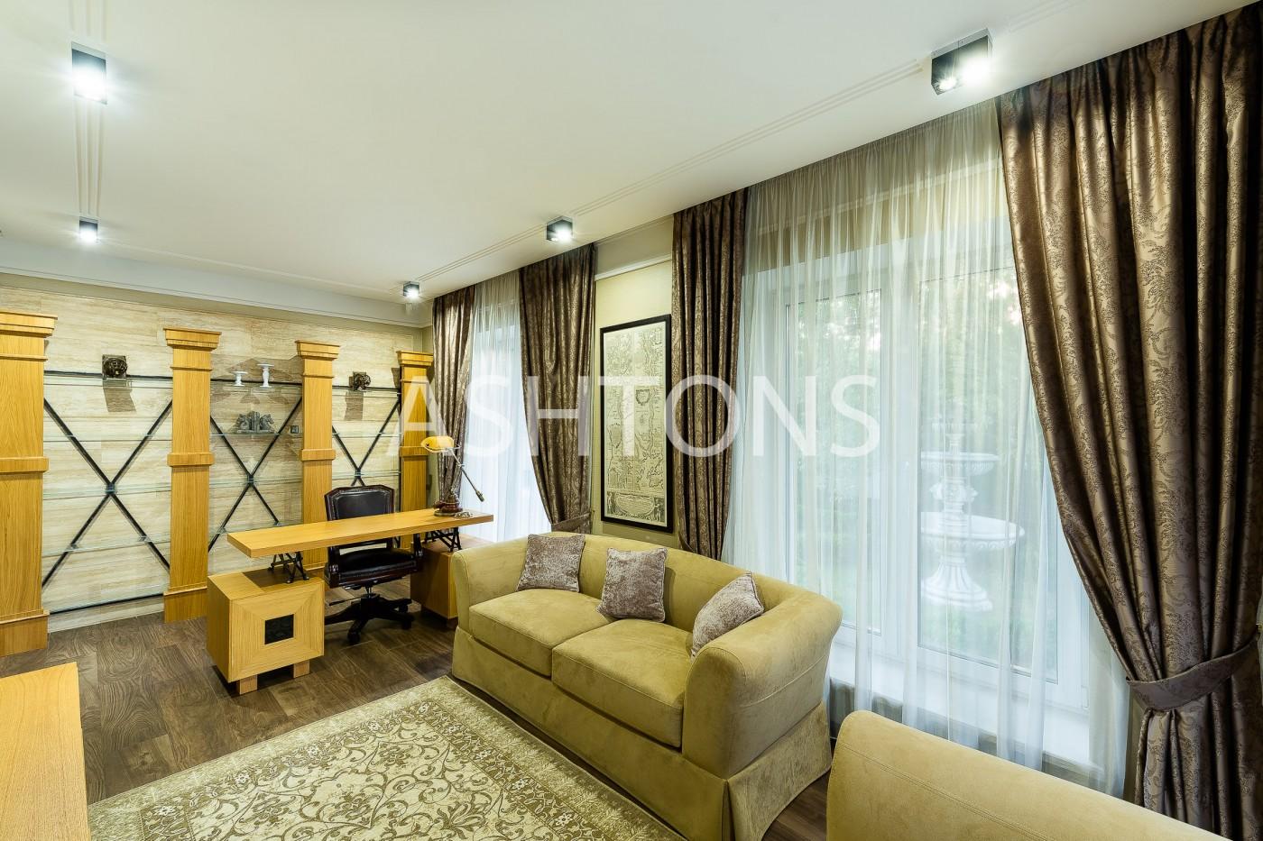 Стильный просторный коттедж в аренду в Опалихе