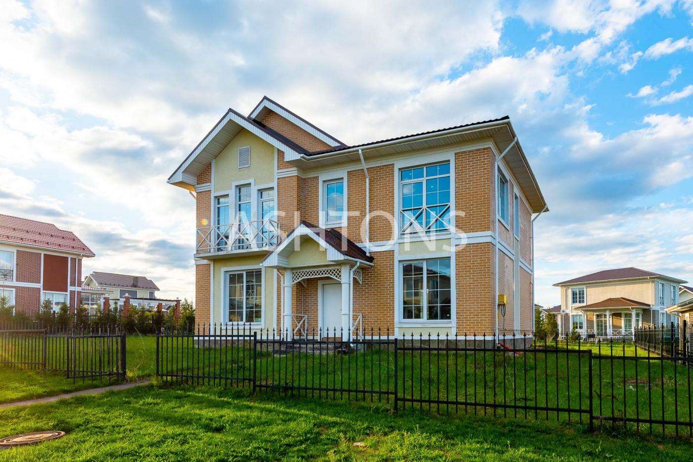 Продажа загородного дома в коттеджном поселке Эсквайр Парк