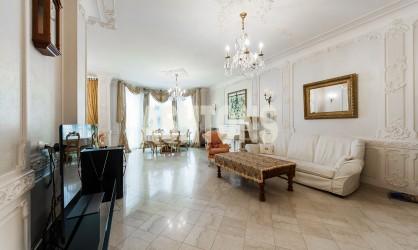 Продажа элитной квартиры на Патриарших прудах
