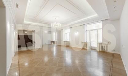 Аренда элитной квартиры на Романовом переулке, дом 5