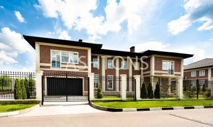Продажа загородного дома в коттеджном поселке Ильинский квартал