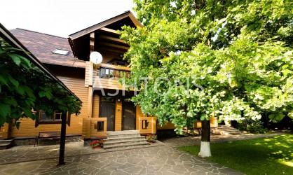 Элитный загородный дом в КП Изумрудный век