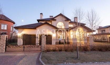 Продажа загородного дома в коттеджном поселке Монтевиль