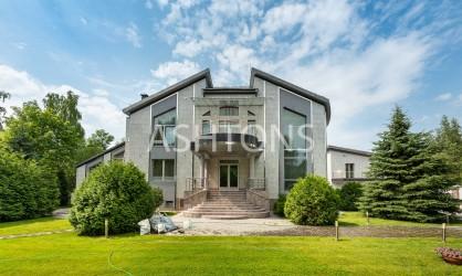 Продажа элитного загородного дома на Рублево-Успенском шоссе
