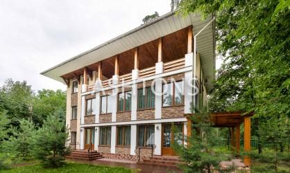 Продажа элитного загородного дома в Барвихе на Рублево-Успенском шоссе